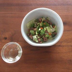 生野菜とお肉のサラダごはん